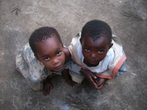 Volunteer with kids in Tanzania