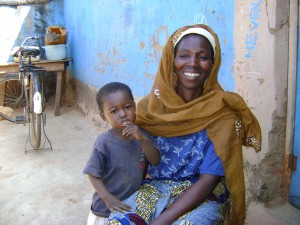 Kananto village, Ama YAHAYA and daughter Makaram