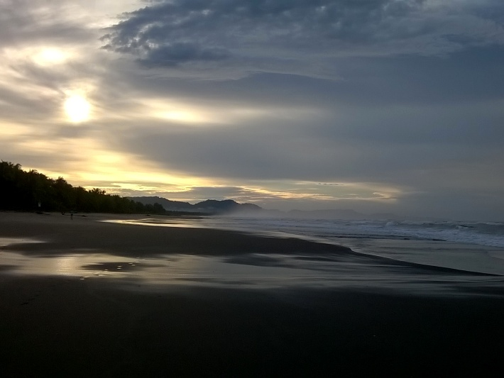 Volunteer at a stunning beach site in Costa Rica on your family holidays