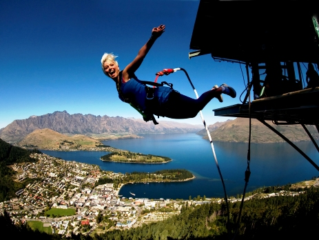 new zealand bungee jump over lake