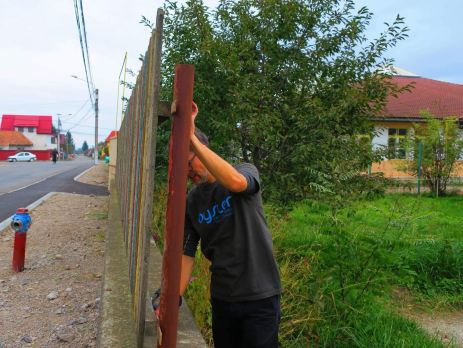 Time for a change - the Romanian family home gets a new fence
