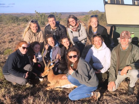 group photo of the verterinary volunteers in South africa with Oyster
