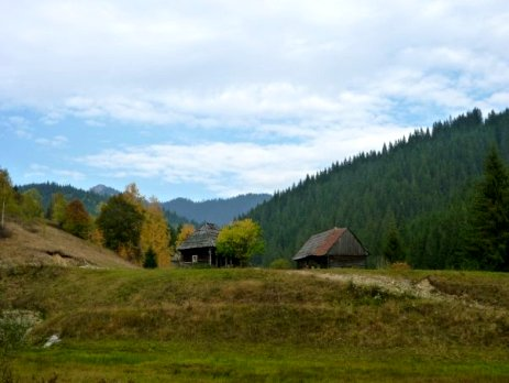 Explore rural Romania