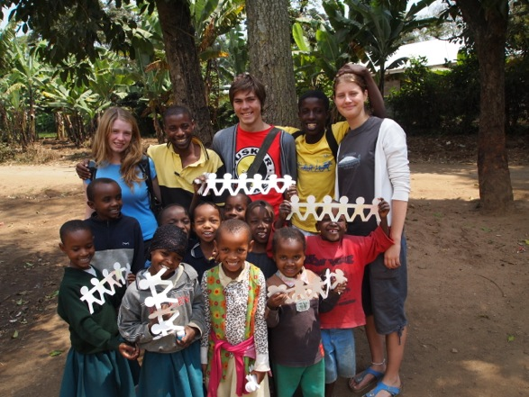 Oyster volunteers in Tanzania