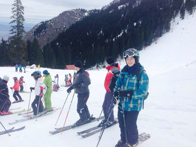 Ski instructor training in Romania