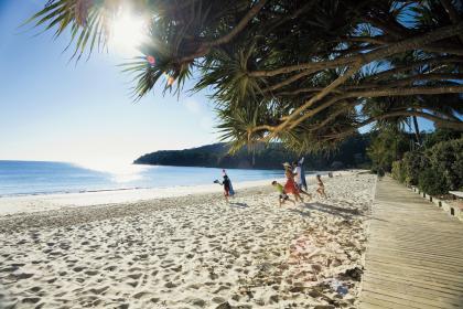 Noosa-Main-Beach21