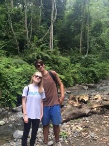 Oyster volunteers on Waterfalls Trek