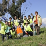 Volunteers in a group shot volunteering in conservation projects in Victoria Australia