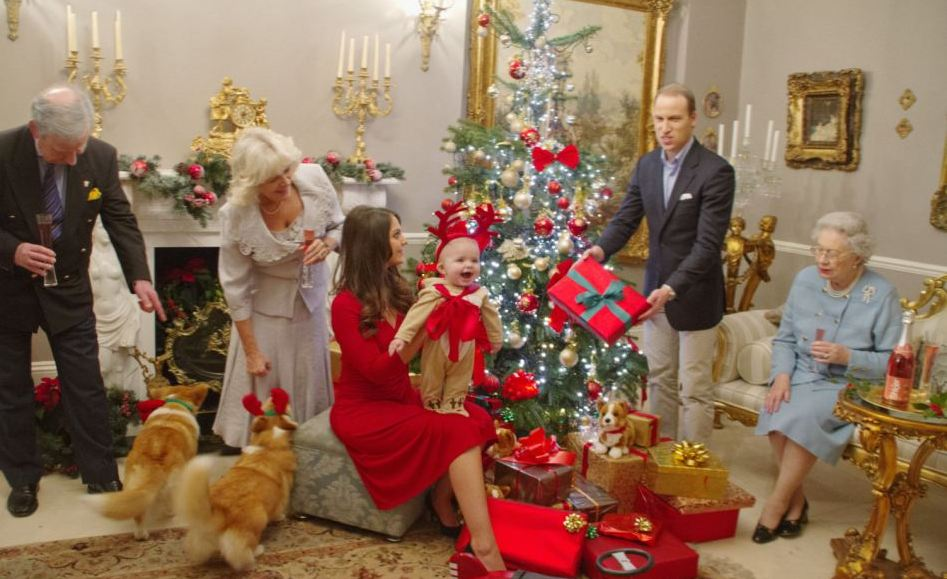 prince-george-first-christmas-001
